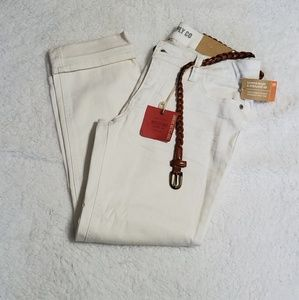 NWT White Ankle Crop Jeans